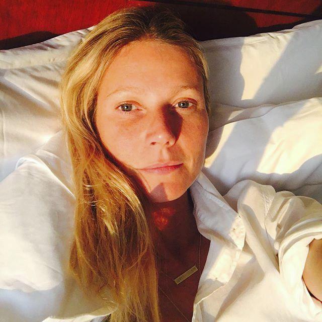 Herečka Gwyneth Paltrow se po ránu vyfotila nenalíčená.