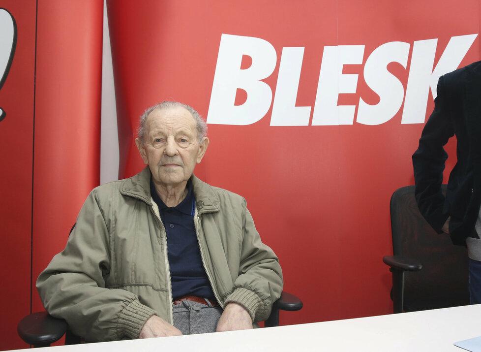Bývalý generální tajemník ÚV KSČ Milouš Jakeš na chatu Blesk.cz