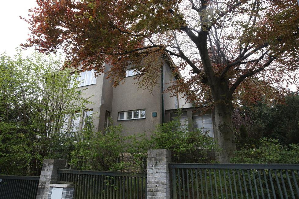 Jakešova vila na Hanspaulce změnila majitele.