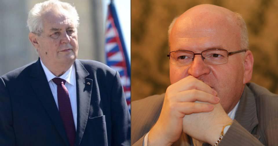 Prezident Miloš Zeman žertem vyplísnil ministra kultury Daniela Hermana (KDU-ČSL). Kvůli Číně