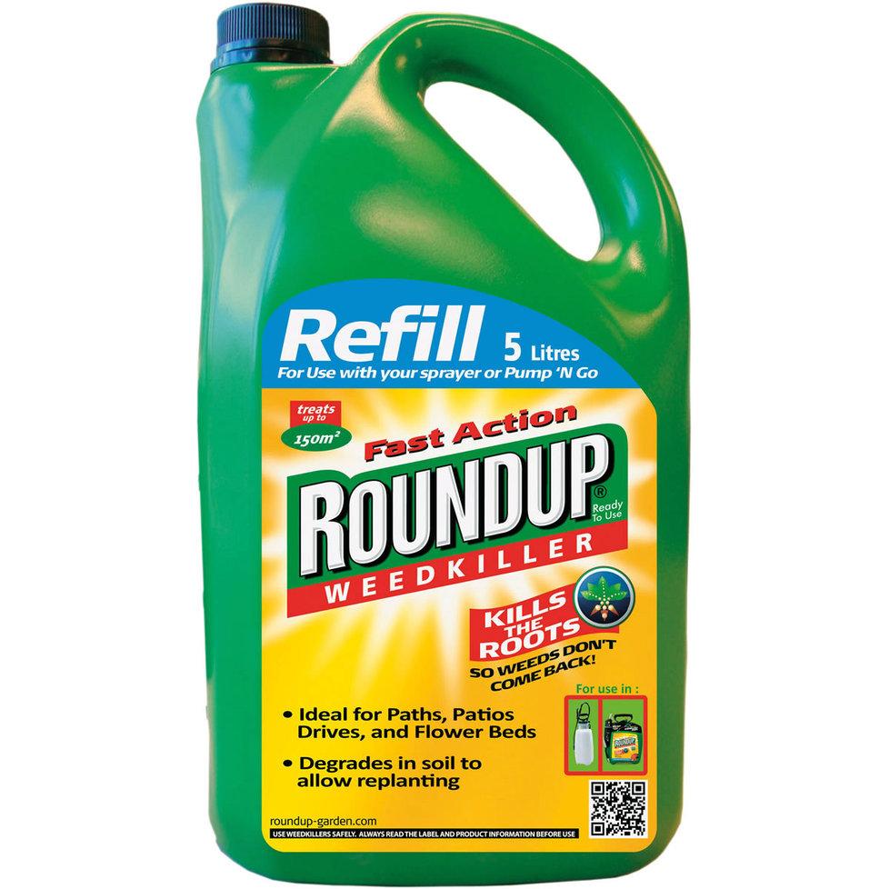 Nejznámějším glyfosátovým prostředkem je Roundup od společnosti Monsanto, který nechybí ve výbavě většiny zahrádkářů.