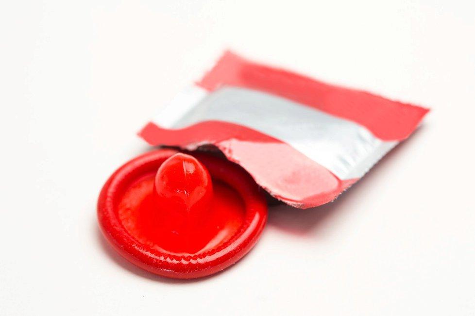 Největší světový producent kondomů Karex Bhd v Malajsii musel v rámci koronavirových opatření zastavit výrobu.