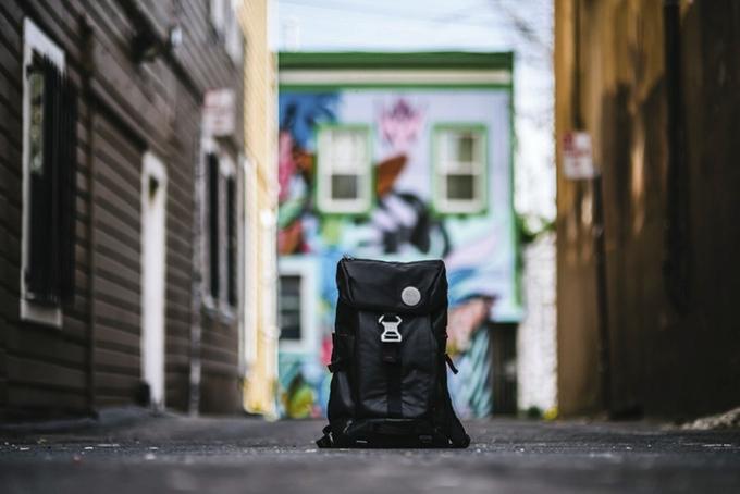 BackPAIX je navržen jako univerzální batoh do města. Kromě pohodlného  transportu věcí nabídne i neobvyklé e42652c73f