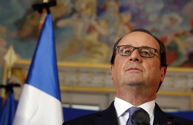 Francoise Hollande na tiskové konferenci