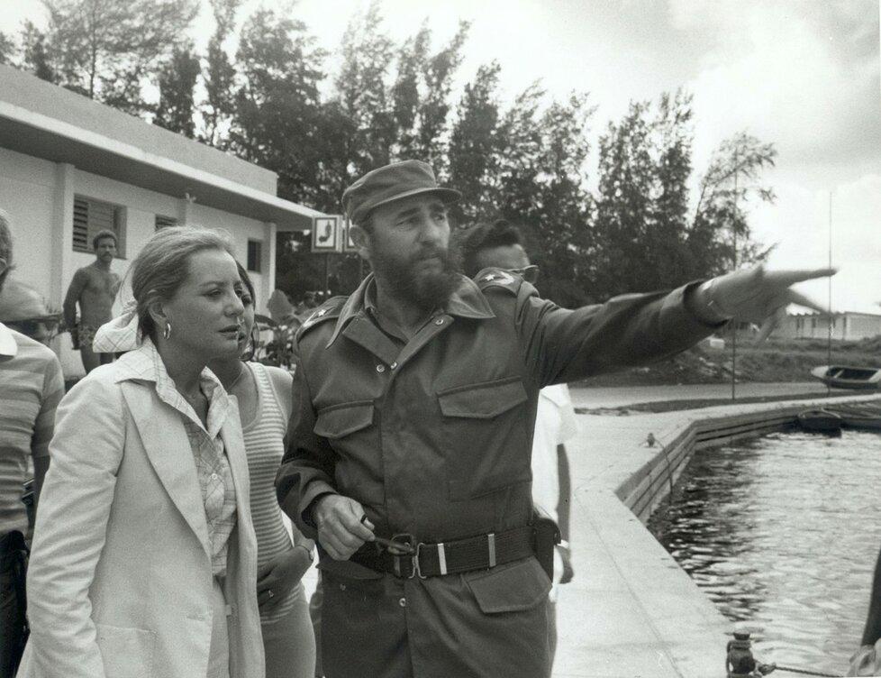 Fidel Castro s novinářkou Barbarou Waltersovou