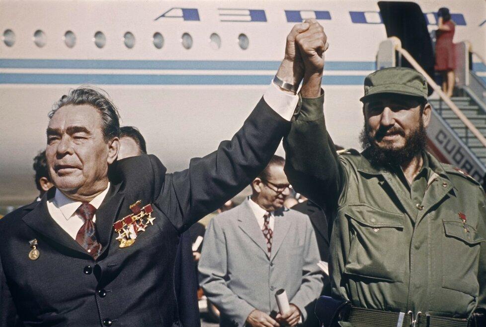 Fidel Castro s Leonidem Brežněvem v Havaně na jaře 1974