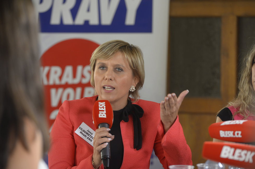 Debata Blesk.cz z Karlových Varů. Jana Vildumetzová (43, ANO)