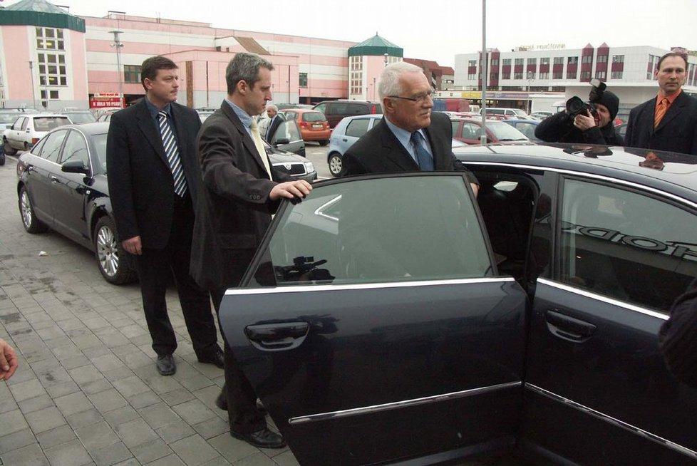 Prezident Klaus dával přednost vozům značky Audi