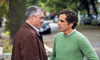 Třetí kolo. Jack Byrnes(Robert De Niro) a Greg Jebal (Ben Stiller) se znovu hádají, kdo je hlavou rodiny.