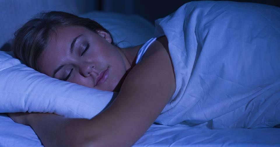Vědci vyvrátili mýty o spánku.