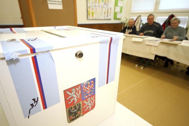 Při samotné volbě nezapomeňte voličský ani občanský průkaz, potřebovat budete obojí.
