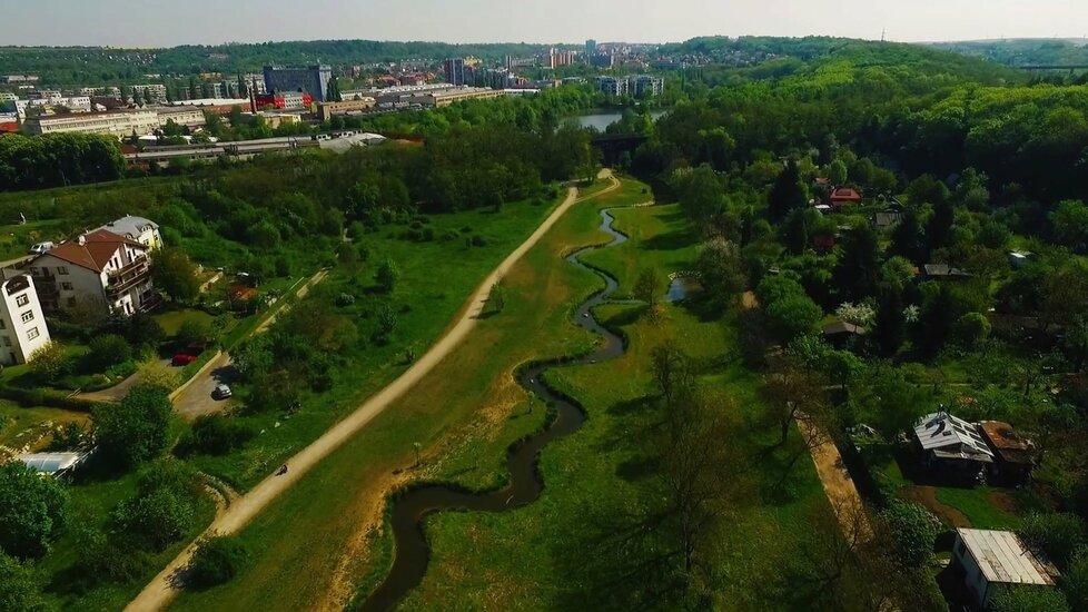 Rokytka, tok nad Hořejším rybníkem