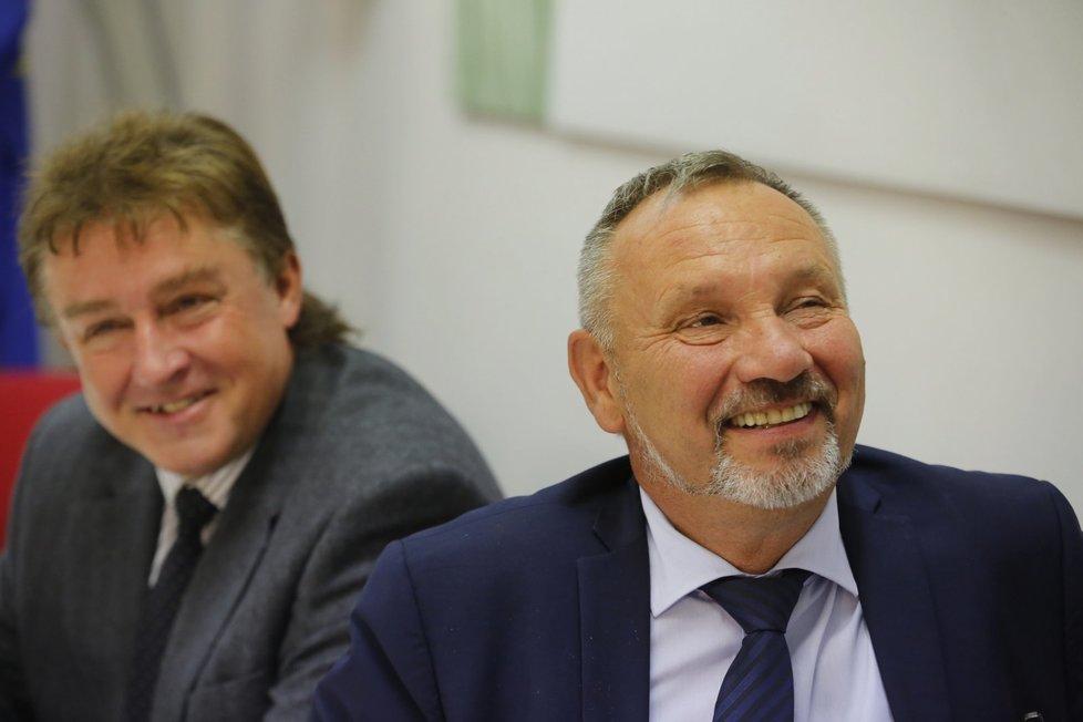 Místopředseda KSČM Jiří Dolejš čeká na výsledky voleb