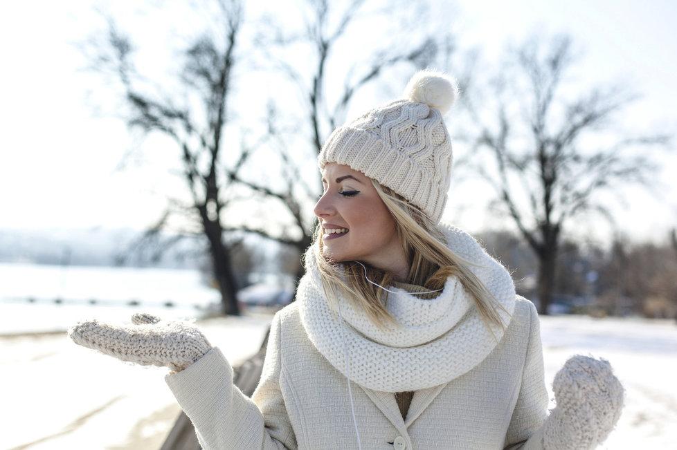 8a319392d49 Zahřejte se ve stylových pleteninách  Nejkrásnější svetry