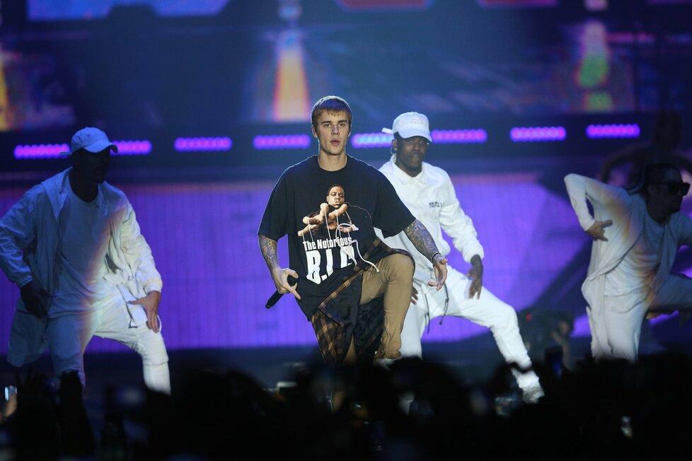 Koncert Justina Biebera v Praze. Ani jeho hudba by neměla chybět na dětské oslavě.