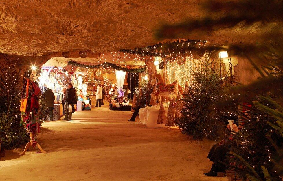 Podzemní vánoční trhy – Valkenburg aan de Geul, Holandsko