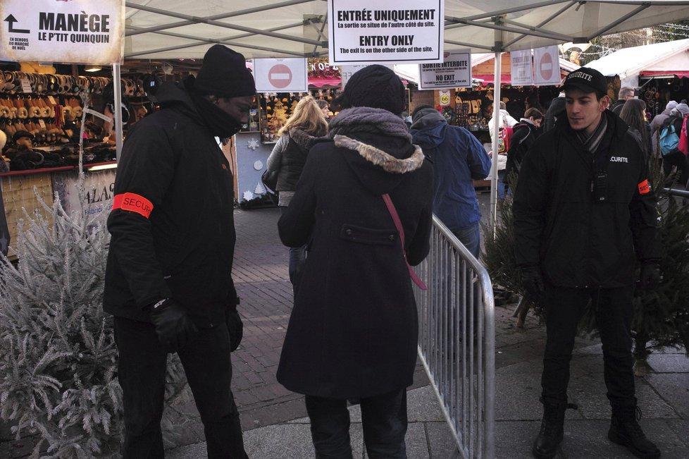 Posílené policejní hlídky na vánočních trzích ve francouzském Lille