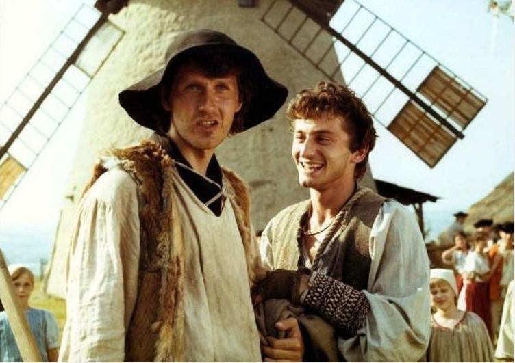 Ján Kroner a Ondřej Vetchý byli hlavními postavami pohádky Nebojsa. Její část se natáčela i u kuželovského větrného mlýnu.