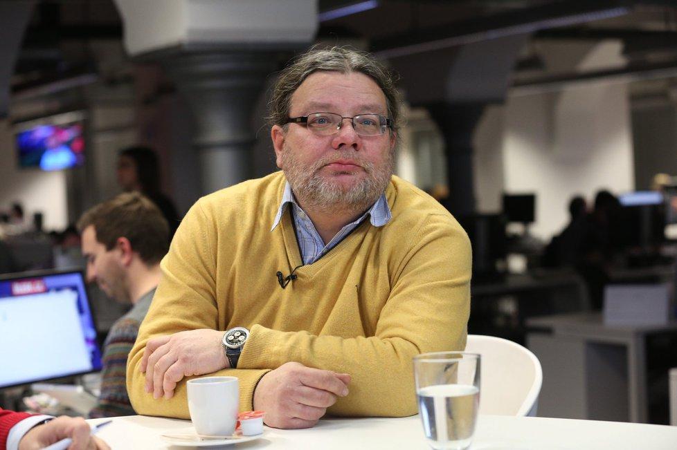 Bývalý ministr obrany a někdejší vicepremiér Alexandr Vondra (ODS) ve Studiu Blesk