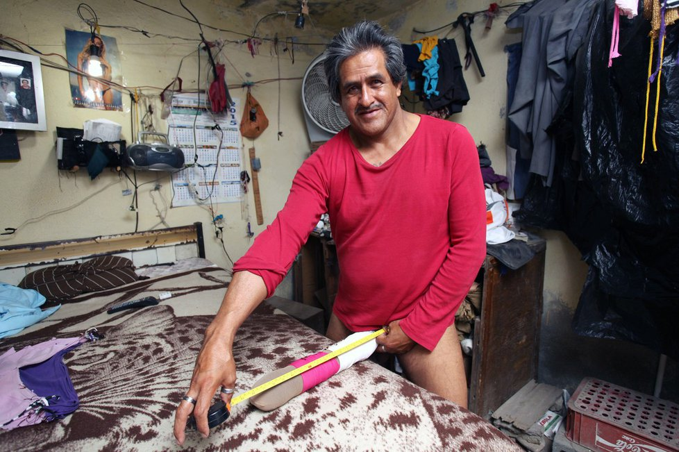 Penis Roberta Esquivela Cabrery měří 48 centimetrů.
