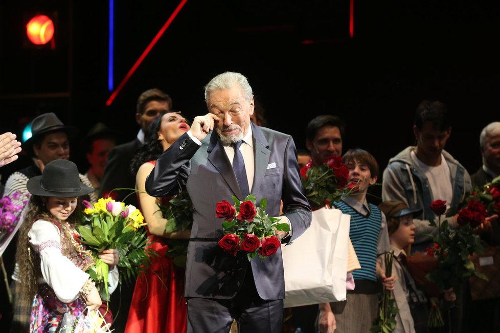 Karel Gott na premiéře Premiéra muzikálu Času růží