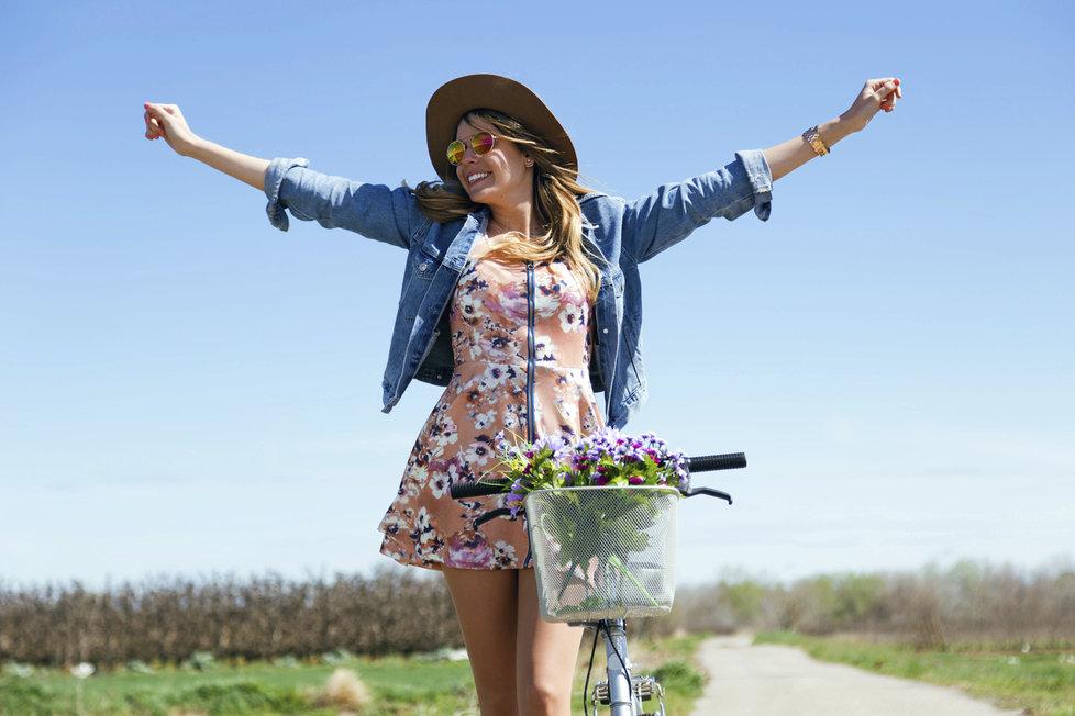 4046e89482e Je čas obléknout jarní šaty! Vybraly jsme 20 nejkrásnějších na běžné ...
