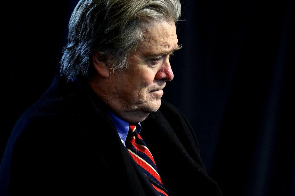Trump odvolal kontroverzního poradce: Steve Bannon končí.