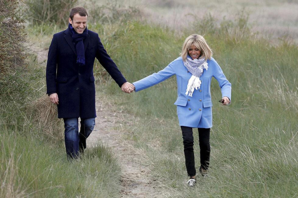Emmanuel Macron s manželkou Brigitte, která je o 24 let starší