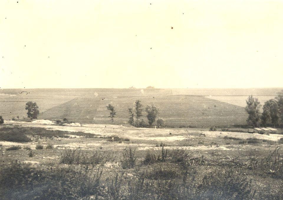 Pohled na místo, kde dříve stávaly Lidice.