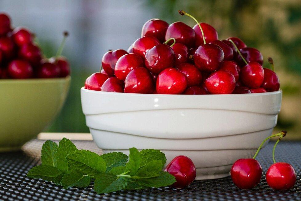 Třešně jsou zdravé, ideální pro hubnutí, ale raději na ně nepijte.