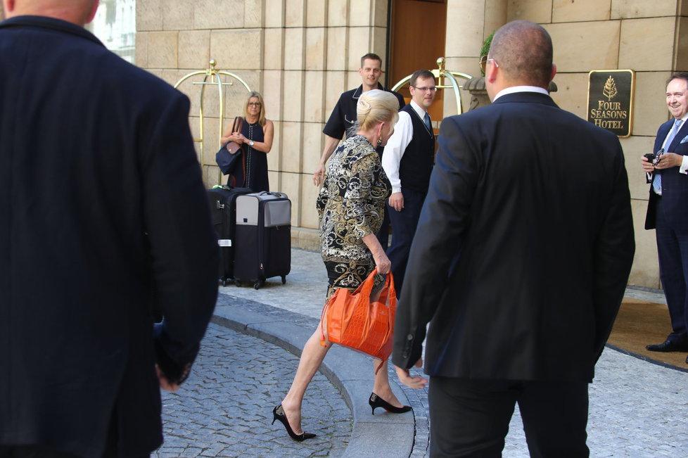 Do Česka přiletěla Ivana Trump.