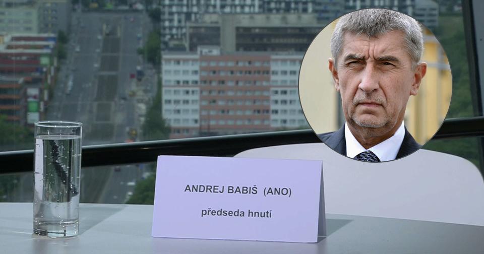 Prázdná židle u Moravce, kam nedorazil Andrej Babiš.