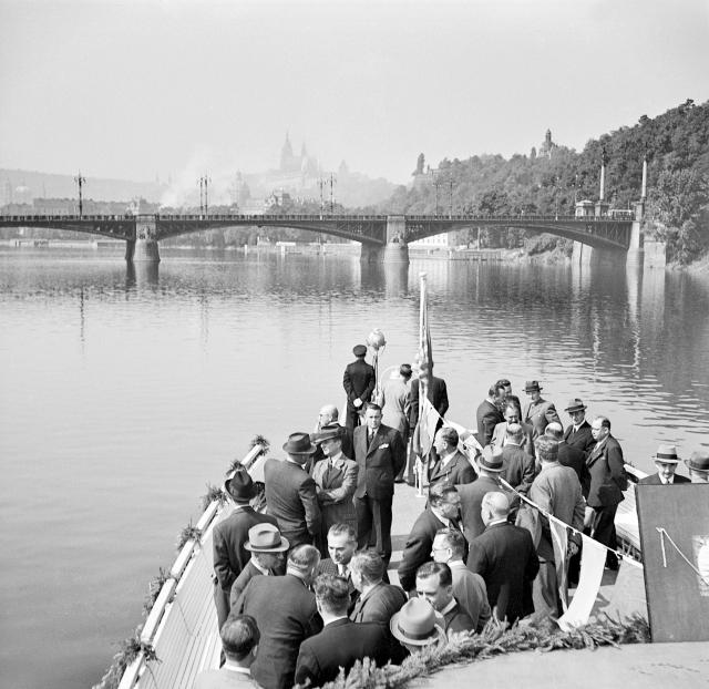 Za druhé světové války se stavbě říkalo Mendelův most. Fotografie pochází z roku 1940.
