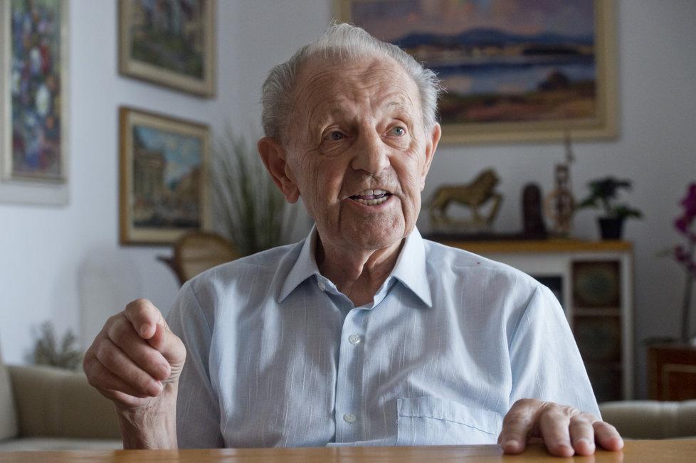 Jakešovo působení v nejvyšší stranické funkci je spojeno s agónií a následným pádem komunistického zřízení v Československu v listopadu 1989.