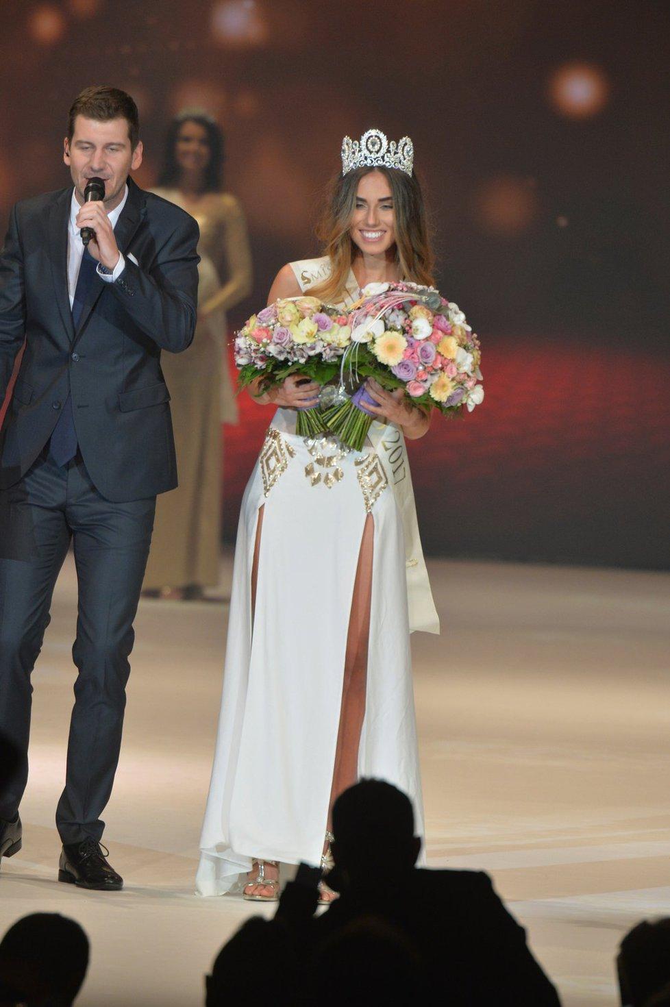 Nejkrásnější dívkou Česka 2017 se stala Michaela Habáňová ze Zlína.
