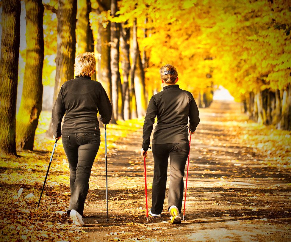 Chůze je dar: Pomáhá od bolestí a hubne se při ní!