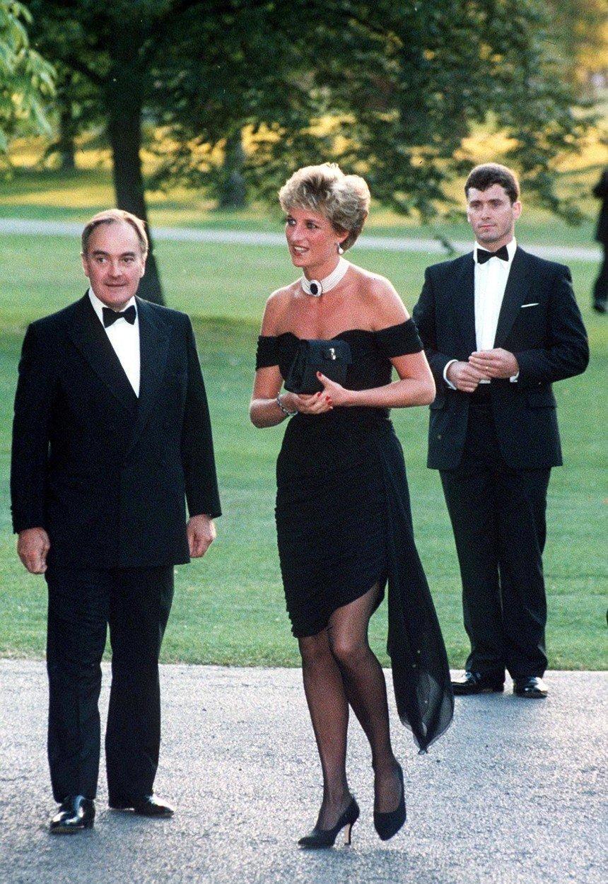 Diana v šatech na letní party Vanity Fair