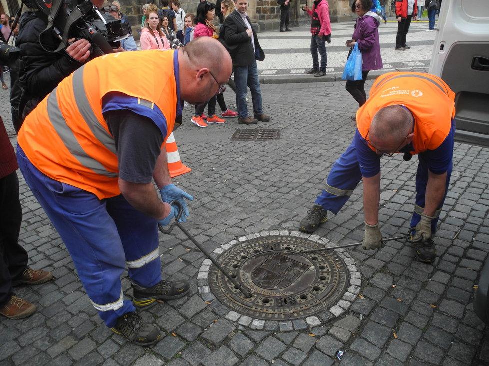 Rok co rok vyráží Zbyněk Kohoutek do pražských ulic, aby hlavní město zbavil nánosu nejrůznější havěti, v první řadě potkanů.