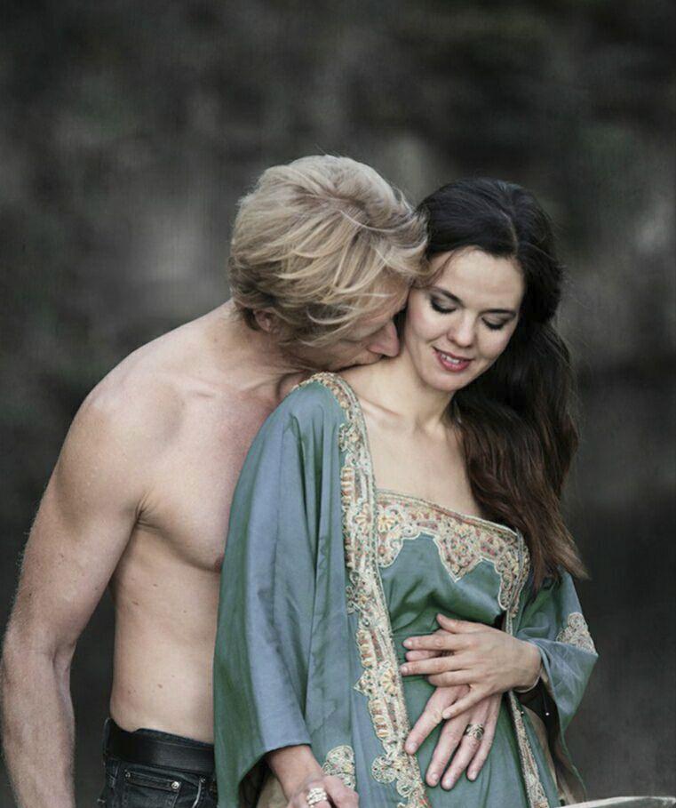 Karel Janeček s jednou ze svých partnerek, kněžkou lásky Lilian.