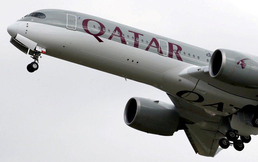"""Katarské letadlo muselo neplánovaně přistát v Indii. Žena přišla na nevěru svého manžela a začala """"vyšilovat""""."""