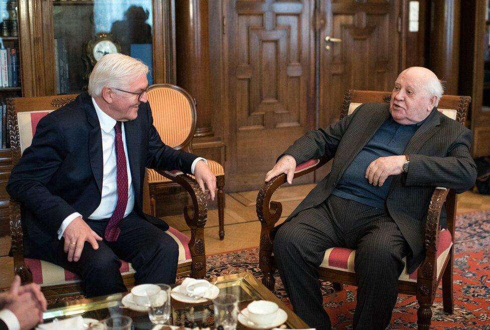 Frank-Walter Steinmeier na setkání s Michailem Gorbačovem v Moskvě 25.10.2017.