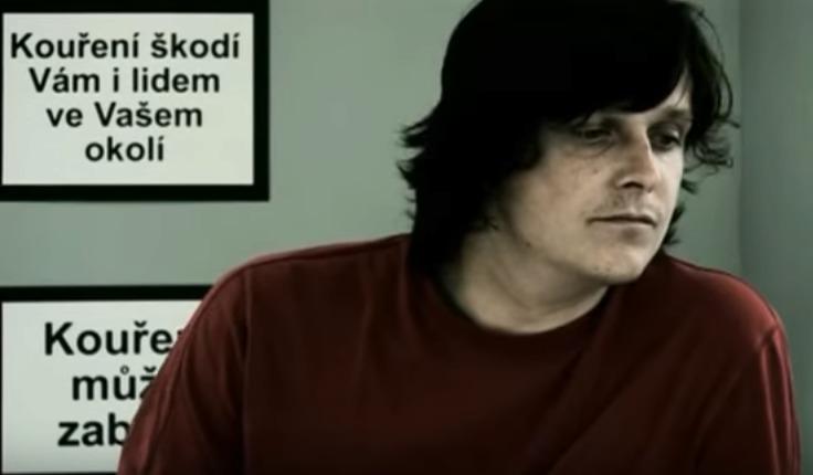 Michal Malátný v klipu písničky Tabáček