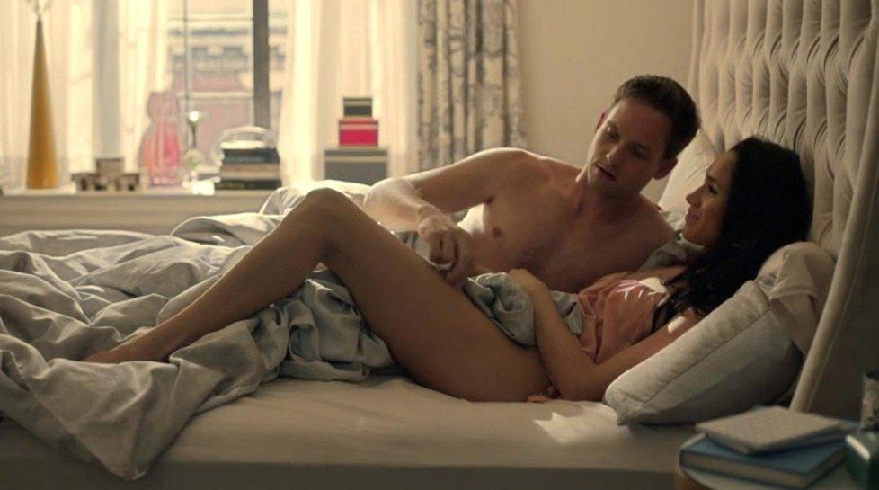 Meghan Markle při postelové scéně.