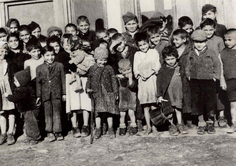 Romský koncentrační tábor v Letech u Písku.