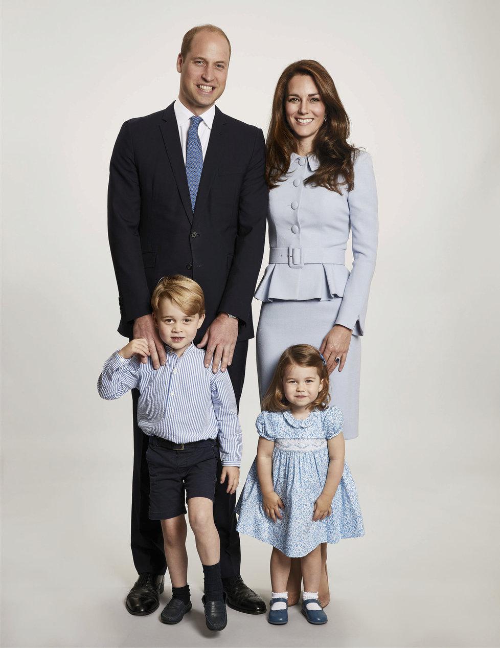 Královská rodina - princ William, vévodkyně Kate, princ George a princezna Charlotte