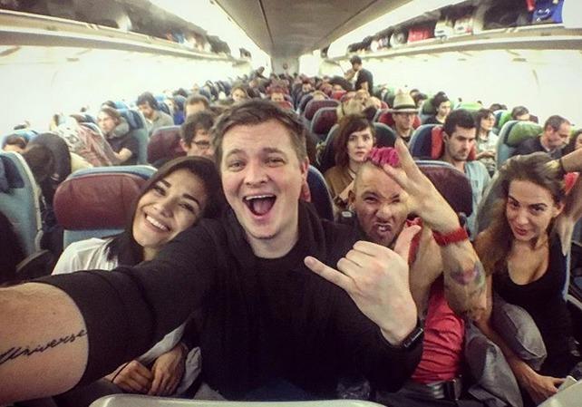 Andrea Kalousová, Kazma a přátelé v letadle směrem Bangkok