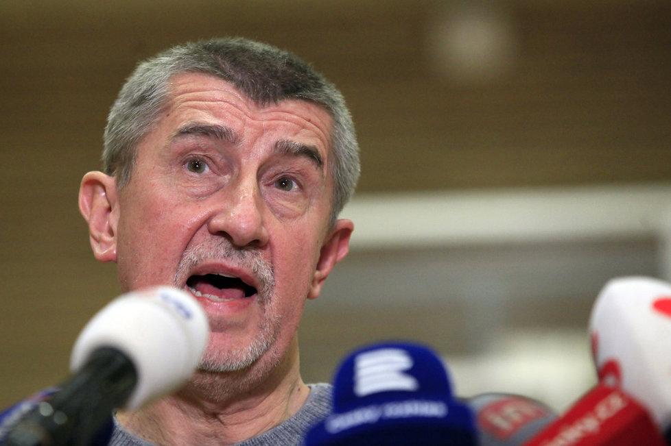 Andrej Babiš komentoval výsledky 1. kola prezidentských voleb v sokolovně v Průhonicích