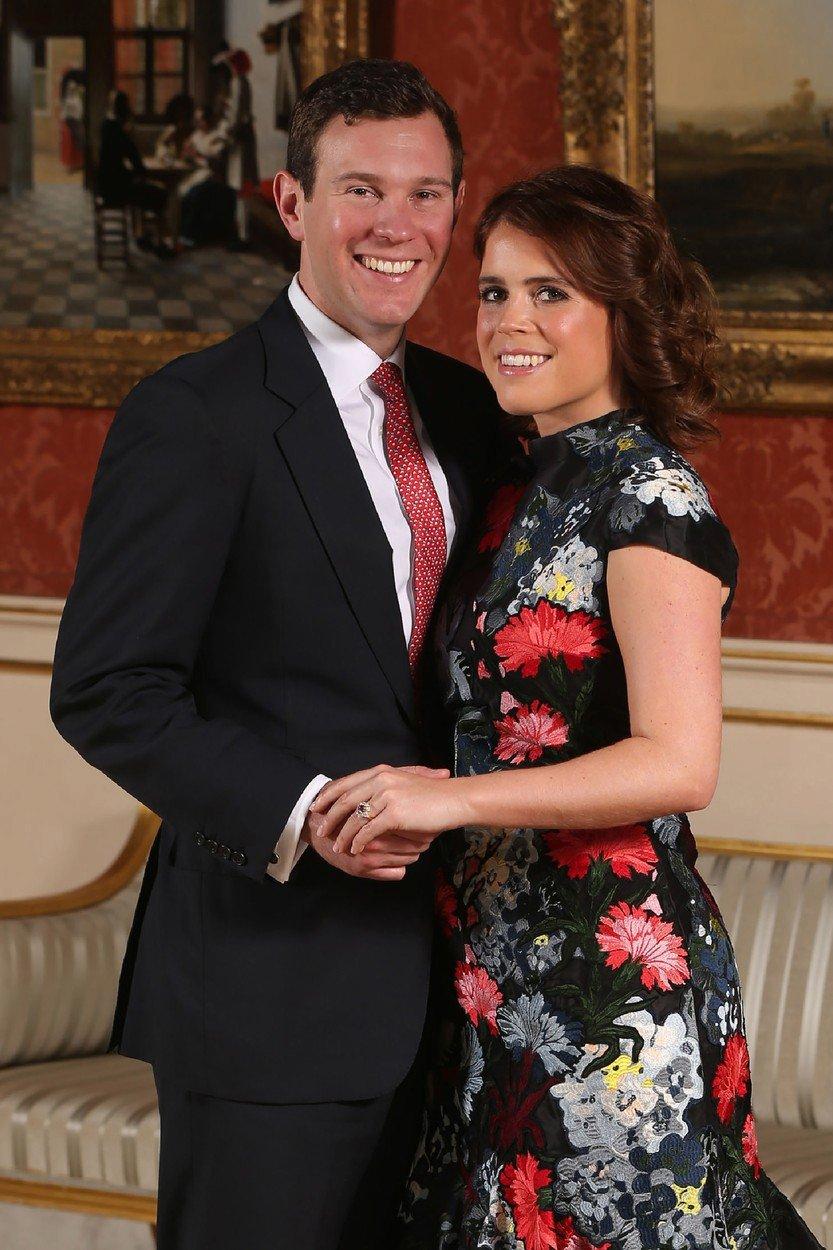 Princezna Eugenie na oficiálním portrétu k oznámení zásnub s Jackem Brooksbankem