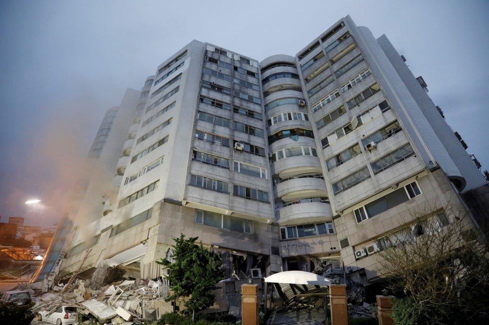 Zemětřesení na Tchaj-wanu má dosud čtyři mrtvé a 243 zraněných