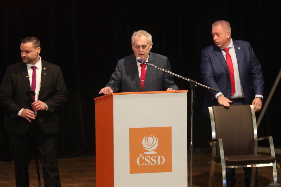 Miloš Zeman na sjezdu ČSSD v Hradci Králové (18.2.2018).